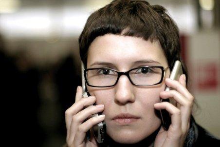 womanwithphones